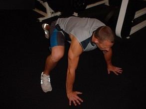 Ab Exercises - The Mountain Climber (right leg)